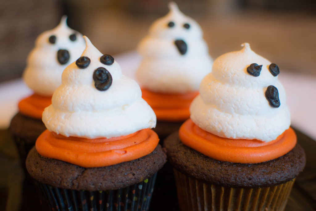 Ghost cupcakes topped with meringue ghosts